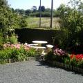 barbecue fleuri  jardin.JPG